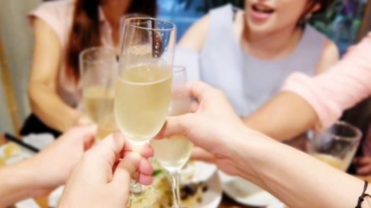 「奢らせよう!私声かけてくる!」学生時代の女友達3人で居酒屋に行ったとき、偶然同級生のA君がいるのを見つけた友人が…