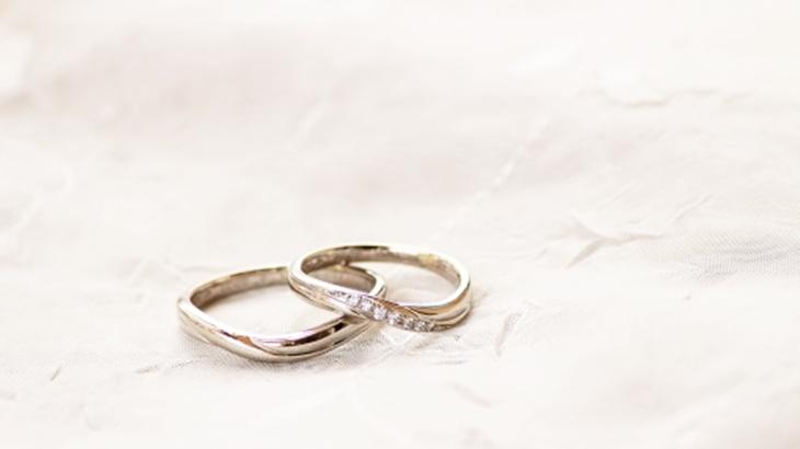 「プロですからね、価値のないものは盗みません」田舎に住んでいた頃、泥棒に入られた。だけど数十万円したという婚約指輪が無事に残っていて…