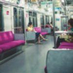 A「私さんは確か1人暮らしだったねぇ」電車の中で偶然、酔っ払いから財布を盗もうとしていたAさんを見かけた。Aさんは家が隣だから同じ駅で降りたんだけど…