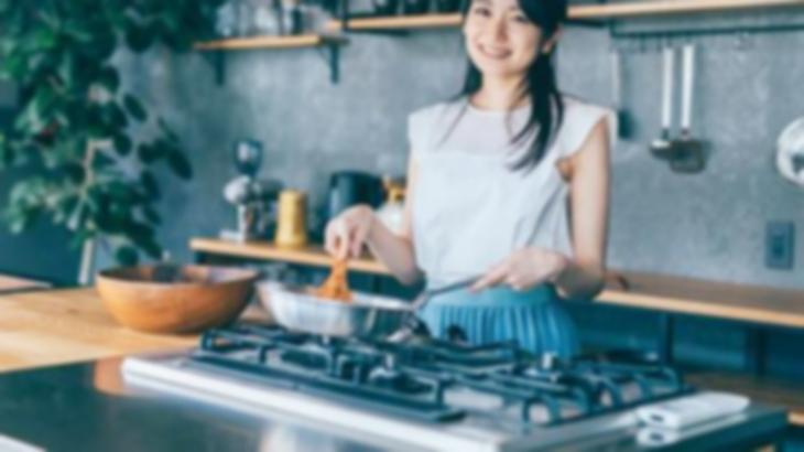 いい雰囲気になっていた男性から、「仕事先の彼女じゃない女性が家に来てご飯を作ってくれた」という話を聞かされたんだけど…