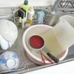 私「なんで食器洗ってないの?」旦那「ごめん、寝ちゃって…」いつも夜中に洗ってくれていた食器がそのまま残っていたので、出かける前に少し喧嘩に。これが最後の会話になった…