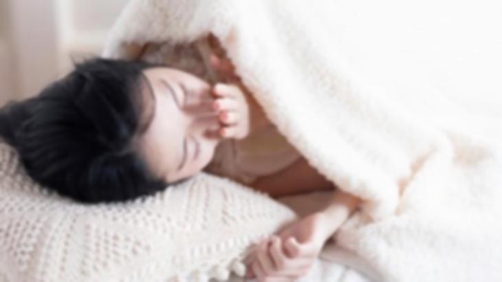 私(…ん?旦那が帰ってきたのかな…え!!)娘がインフルエンザで寝込んでいたとき、添い寝していたら不思議な指の感触がして目を開けたら…